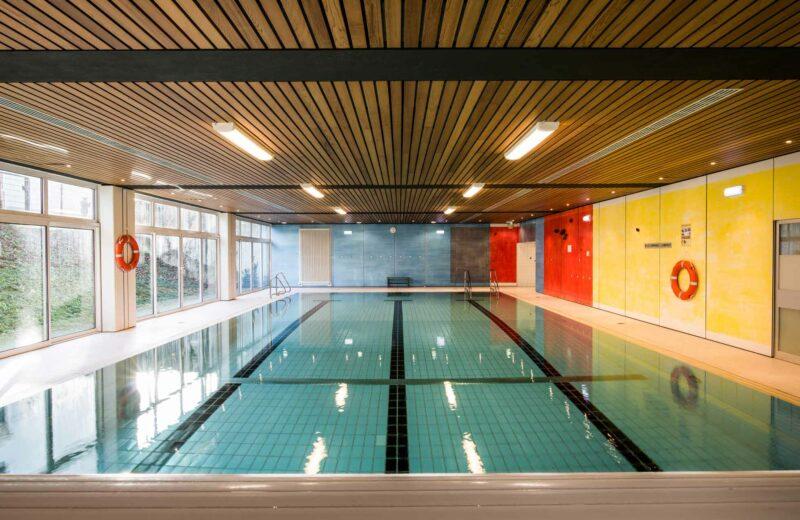 Gesamtansicht des Schwimmbeckens der ProPhysio GmbH in Köln-Longerich